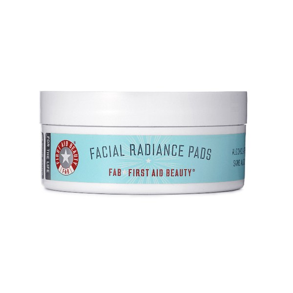 First Aid Beauty: Dischetti illuminanti per il viso
