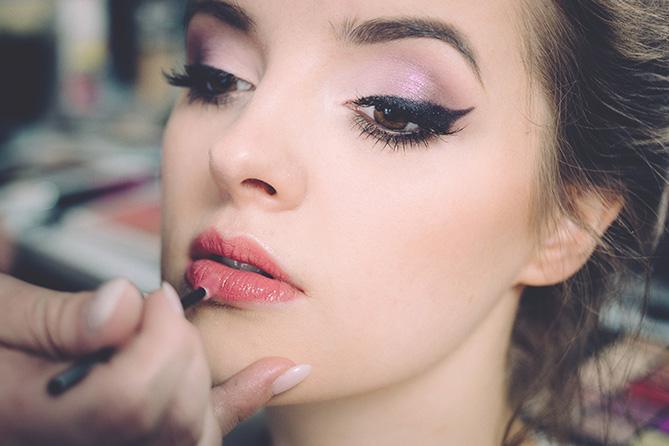 10 trucchi per mettere a regola d'arte il rossetto