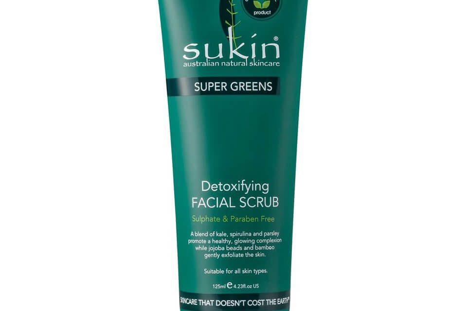 Sukin – Super Greens Scrub Viso | Recensione